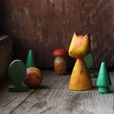 и лису коварную, конечно :) #деревяннаясказка #игрушкииздерева #woodentoys #fairytale