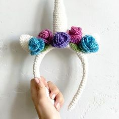 Made Vela a unicorn headband with flowers! Swipe to see her reaction🦄 . Big thanks to for sharing her magical pattern on Ravelry for free! Crochet Cardigan Pattern, Crochet Shawl, Crochet Patterns, Popular Crochet, All Free Crochet, Crochet Winter Hats, Crochet Triangle, Unicorn Headband, Crochet Bracelet