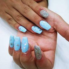 Diseños : acrílico + esmaltado permanente 💅⭐ Nails, Beauty, Enamels, Perms, Fingernail Designs, Finger Nails, Ongles, Beauty Illustration, Nail