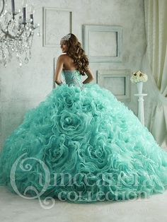 The Quinceanera Collection offers elegant quinceanera dresses, 15 dresses, and vestidos de quinceanera! These pretty quince dresses are perfect for your party! Quince Dresses, 15 Dresses, Pretty Dresses, Fashion Dresses, Quinceanera Dresses, Quinceanera Decorations, Robes Disney, Quinceanera Collection, Beautiful Gowns