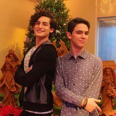 Feliz Navidad con los #Aristemo . ¿Qué quieres desearle a Aris y a Temo en Navidad? . @emilio.marcos @joaquin.bondoni #MMTF2 Love Never Dies, Otp, Lgbt, Persona, Crushes, Boyfriend, Ruffle Blouse, Fandoms, Couple Photos