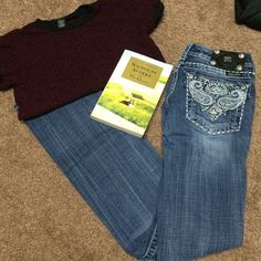 Miss me jeans‼️ Great condition. 2 small missing beads from back. They are gorgeous, and the style is no longer available. Very easy to make casual, or to dress up. If you have any questions I'd be more than happy to help in any way! No trades. Make me a reasonable offer & we will negotiate.  Share my closet, I will share yours.  I ship on the next business day after your purchase  Happy poshing ❤️ Miss Me Jeans Boot Cut