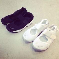 BIOTOP : Photo NIKE エアリフト  col…black,white size…23,24,25,26