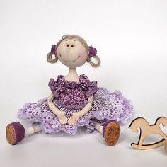Здравствуй, новая неделя! Ребенка выздоровел, в сад пошел, а я, как и планировала, закончила девочек-джутиков... Плодотворно поболели))) на этой неделе будет мишка! Ну и кукла одна из долгостроя... думаю над ней... надеюсь, все сложится... Желаю всем прекрасного настроения! 💕💕💕