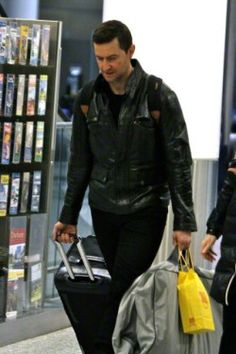 """Back from China, Richard Armitage is in Toronto to being shooting """"Hannibal"""". January 22, 2015"""