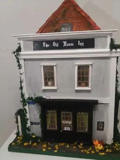 Mezzanottis Nr.: 30 – Mezzanottis Miniaturen & Puppenhäuser Cabin, House Styles, Home Decor, House, Decoration Home, Room Decor, Cabins, Cottage, Interior Design