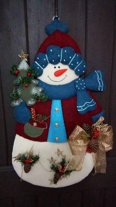 Christmas Stockings, Christmas Ornaments, Snowman, Holiday Decor, Pink, Home Decor, Felt Toys, Holiday Ornaments, Disney Crafts