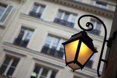 Autumn Travel Style Story: Le Marais in Paris - Roxy Burger Street Lamp, Paris, Fashion Story, Rue, Travel Style, Autumn Fashion, Photos, Hot Spots, Tourism