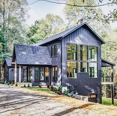 You can be 100 sure that metal building homes will hold any weather condition. These metal frame homes are super strong, long life time and eye-catching too. Metal Building Homes, Metal Homes, Building A House, Modern Farmhouse Exterior, Farmhouse Design, White Farmhouse, Plan Chalet, Metal Buildings, Cottage Homes