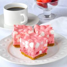 No Bake Strawberry Chiffon Squares No Bake Strawberry Chiffon Squares. A breeze to make and can even be served as a frozen dessert. In fact that's how many people prefer them. The post No Bake Strawberry Chiffon Squares appeared first on Rock Recipes. Frozen Strawberry Desserts, Strawberry Recipes, Frozen Desserts, Fruit Recipes, Easy Desserts, Baking Recipes, Dessert Recipes, Frozen Fruit, Easy Recipes
