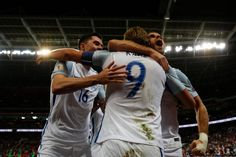 England's World Cup starting team should deploy in a formation, focusing on aggressive, attacking football, rather than pedestrian and slow play. England World Cup 2018, All Star, Campaign, Football, Good Things, Pedestrian, Mens Tops, Play, Soccer