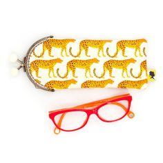 Etui lunette original, illustré guepard, fait-main avec fermoir clip en métal, cadeau pour femme, pour la fete des meres, 8x19 cm Clip, Sunglasses Case, Etsy, Crayons, Motifs, Parfait, France, Style, Handmade