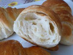 Plundrové těsto - máslové loupáčky Cream Cheese Danish, Bread, Recipes, Food, Hampers, Eten, Recipies, Ripped Recipes, Bakeries