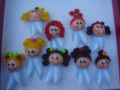 escarapelas bien argentinas Princess Peach, Favors, Baby Shower, Christmas Ornaments, Holiday Decor, Crafts, School Ideas, Cold, Little Things