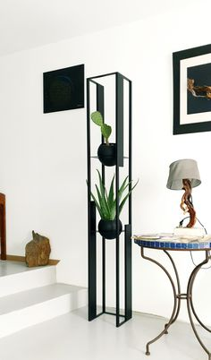 Home Decor Furniture, Unique Furniture, Diy Home Decor, Furniture Design, House Plants Decor, Plant Decor, Apartment Decorating On A Budget, Iron Decor, Deco Design
