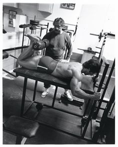 Bodybuilding Legend: Frank Zane - Best Built Man | Muscle & Fitness