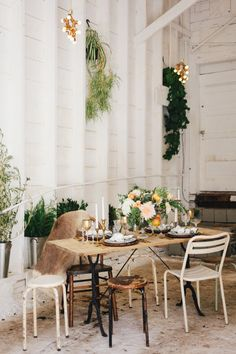Rustic boho table: http://www.stylemepretty.com/little-black-book-blog/2015/04/22/peach-rustic-boho-wedding-inspiration/ | Photography: Maraluce - http://www.maraluce.com/