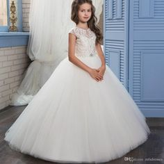 Princess Tulle Ball Gown White Flower Girl Dresses 2017 New Crystal With Lace First Communion Dresses For Girls Kids Prom Gowns Flower Girl Dresses Girls Christmas Dress Girls Communion Dresses Online with $82.29/Piece on Mfsdresses's Store | DHgate.com