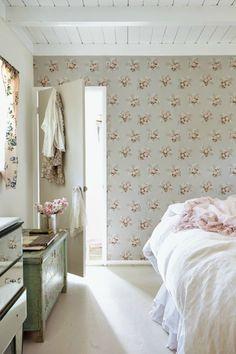 A Room of My Own: Rachel Ashwell - The Chromologist