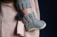 Soft and stylish baby booties for tiny toes by Petite Albion Booties are hand knitted in softest Italian Merino wool,. Knitting For Kids, Baby Knitting Patterns, Sewing For Kids, Baby Sewing, Baby Patterns, Knitting Projects, Hand Knitting, Crochet Baby Booties, Knit Crochet