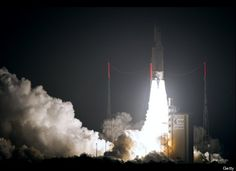Ariane 5 takes off on the equator with a delivery for the ISS