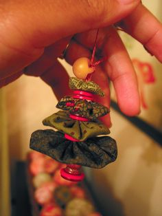 Yoyo Christmas tree ornament