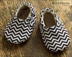 Chevron Eco Friendly Baby Booties (0-6 months).