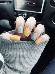 Mustard & grey nails