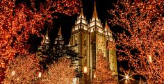 2013 Christmas Devotional at Temple Square in Salt Lake City, Utah. Salt Lake Temple, Utah Temples, Lds Temples, Mormon Temples, Fun Facts, Red Christmas Lights, Christmas Time, Christmas Music, Xmas