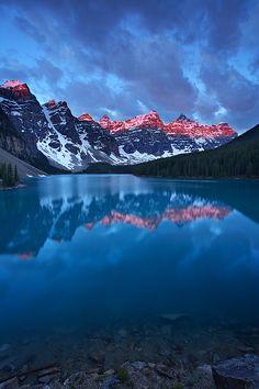 First light at Moraine Lake, Banff National Park, Alberta, Canada.