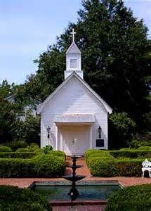 LOVE this Little white church
