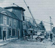 Voordat 't Sasje helemaal vergeten is...In 1909 werd de voormalige molen eigendom van fam. Van Nieuwenhuizen. in 1940 was er brand.