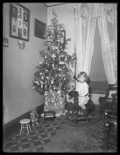 New York, Christmas Trees,  1911