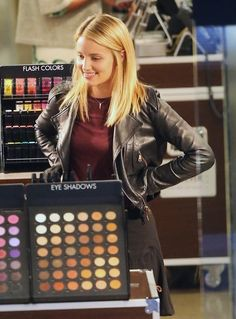 Dianna Agron Photos: Dianna Agron Shops for Makeup