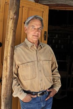 When America's favorite TV star isn't playing Special Agent Leroy Jethro Gibbs on NCIS, he's recharging in the saddle on a Montana ranch. I would love to see him ride a horse.