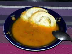 Creme de Abóbora com Calabresa Eggs, Breakfast, Food, Html, Pumpkin Soup Recipes, Yummy Food, New Recipes, Soups, Diet