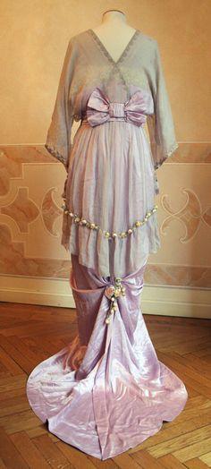 Evening Dress - back - c. 1913 - via Abiti Antichi - @~ Watsonette