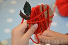 Super Cute and Simple Yarn Wrapped Apple Crafts. Such a sweet little Apple Craft - great for preschoolers - developing fine motorskills with wonderfully tactile and colourful craft. Would look great as a garland or just dangling from the door. Apple Activities, Autumn Activities, Craft Activities, Fall Preschool, Preschool Crafts, Crafts For Kids, Apple Crafts For Preschoolers, Leaf Crafts, Fall Crafts