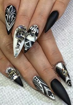 Black and white stiletto nails @thefreshestnailart