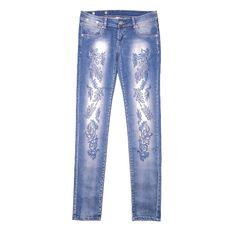 Fotografía de producto para tienda online de moda. Pantalon. www.glosstudela.com