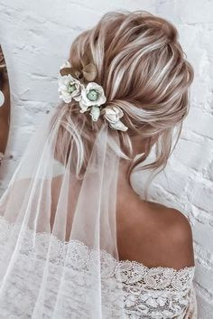 Short Hairstyles Hot Wedding Hair Trends 2020 wedding hair trends blonde textured low updo with white veil anastasia_bant.Short Hairstyles Hot Wedding Hair Trends 2020 wedding hair trends blonde textured low updo with white veil anastasia_bant Bridal Hair Updo With Veil, Bride Hairstyles With Veil, Hairdo Wedding, Wedding Hair Down, Wedding Hairstyles For Long Hair, Wedding Hair And Makeup, Wedding Hair Blonde, Updos For Wedding, Updo Veil