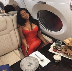 Watch and command live girls for free on FreeBestCams . Boujee Lifestyle, Wealthy Lifestyle, Luxury Lifestyle Fashion, Black Girl Magic, Black Girls, Bougie Black Girl, Classy Outfits, Cute Outfits, Classy Dress