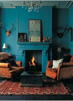 Dark tones give a special touch to the space, don't they?