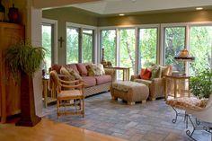 Porch room ideas Sunroom Decorating, Family Room Decorating, Decorating Ideas, Style At Home, Floor Design, House Design, Deck Design, Four Seasons Room, 4 Season Room