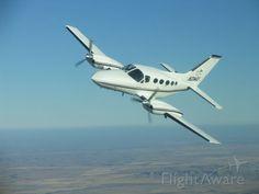 FlightAware ✈ Photo of Cessna 421 (N21WU)