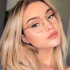 Specs Frames Women, Clear Glasses Frames Women, Glasses For Oval Faces, Glasses Frames Trendy, Cool Glasses, Eyeglasses For Women Round Face, Women In Glasses, Transparent Glasses Frames, Cute Girl With Glasses