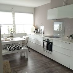 marenbaxter @marenbaxter | Websta (Webstagram) Beautiful Kitchens, Cool Kitchens, Bachelorette Pad, Chula, My Dream Home, Interior Decorating, Sweet Home, House Design, Nice Kitchen