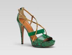 Preciosas sandalias Gucci
