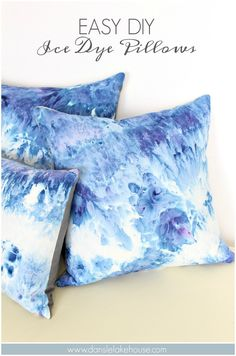 DIY Ice Dye Pillows using Procion Dye in Blueberry – Tips and Tricks for Ice Dyeing Fabric. Make Your Own Marbled Pillows with this Ice Dye DIY – it's SO Easy, Just Set it and Forget it! You'll Want to Ice Dye Everything After You Check Out This Awesome Blue Pillows, Diy Pillows, Throw Pillows, Cushions, Bolster Pillow, Cushion Pillow, Neck Pillow, Cushion Covers, Decorative Pillows
