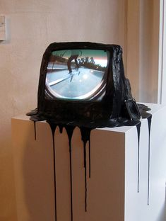 DIE! Melted T.V. #tv http://www.pinterest.com/TheHitman14/odds-ends/